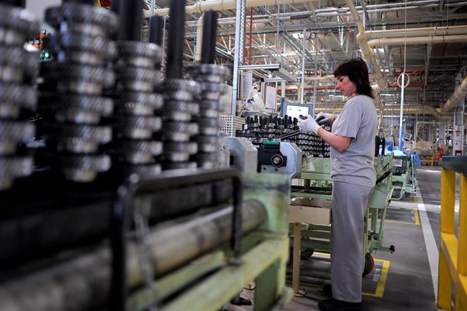 Soluții pentru plata salariilor din companiile aflate în dificultate