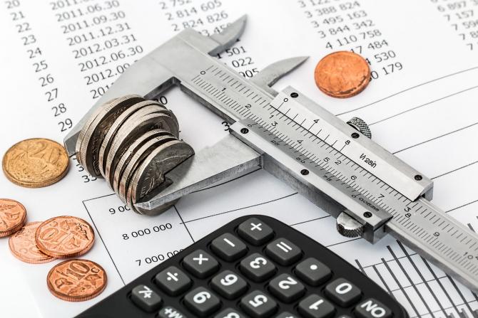Analistul economic Adrian Câciu a scris într-o postare pe facebook despre această rectificare bugetară ciudată