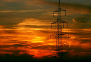 Energia costă în medie 301 lei pe MWh
