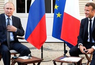 Liderul de la Kremlin efectuează o vizită la Paris