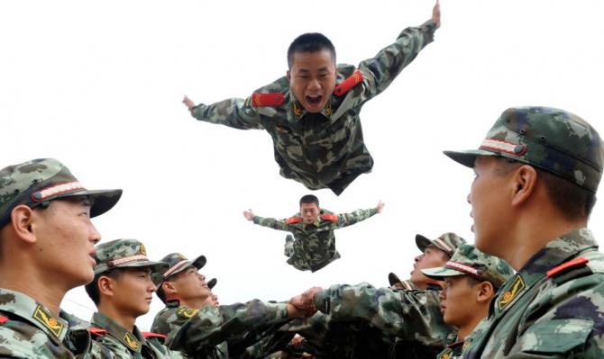 Concluzia experților: Militarii chinezi sunt bine pregătiți