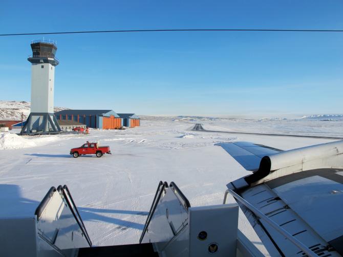 Baza aeriana de la Tule Foto: Jim Yungel/NASA