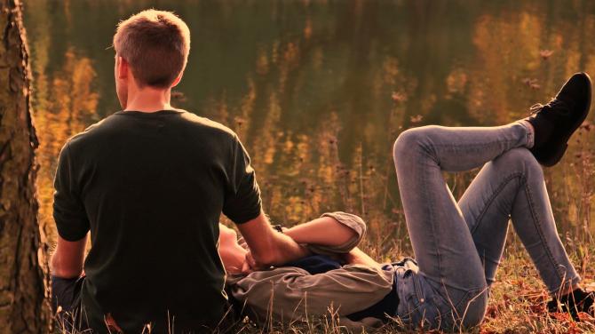 Bărbații prea activi sexual riscă să se îmbolnăvească