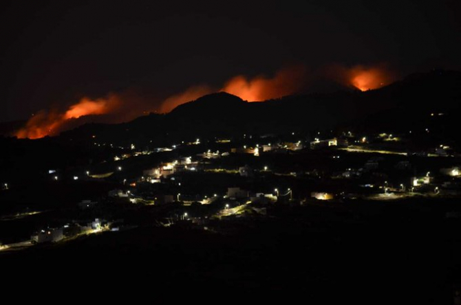 Incendiu devastator in Gran Canaria