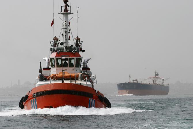 Marinarii români au contracte cu companii străine