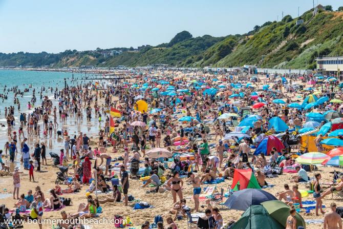 Plaja Bournemouth nu este în sudul Europei, ci în Marea Britanie
