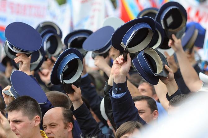 Premierul Ludovic Orban a declarat joi că intenţia Guvernului este de a creşte vârsta de pensionare pentru poliţişti