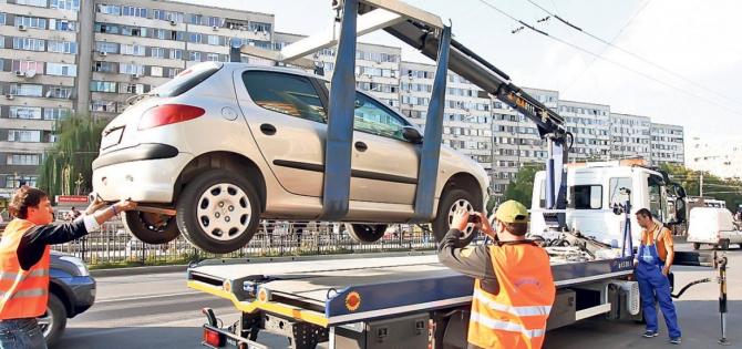 Procedura de ridicare a autoturismelor, atacată de Avocatul Poporului