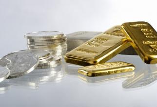 Prețul aurului scade și pe piețele mondiale