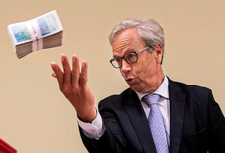 A patra înăsprire a politicii monetare