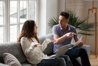 Cuplurile din România trebuie să învețe să-și gestioneze finanțele