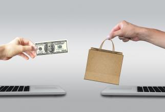 Doar o cincime dintre români au făcut achiziţii online
