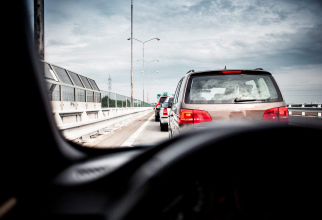 Șoferii ar trebui să urmeze cursuri de condus defensiv