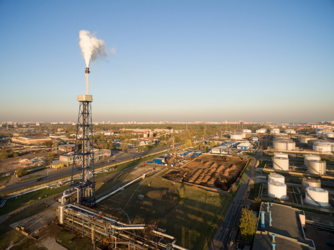 Rompetrol Rafinare a continuat să îşi majoreze constant producţia de combustibil destinat aviaţiei civile şi militare