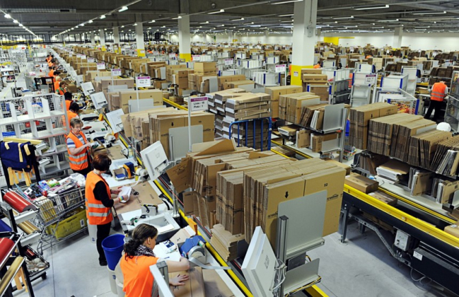 Lucratorii Amazon intra in greva