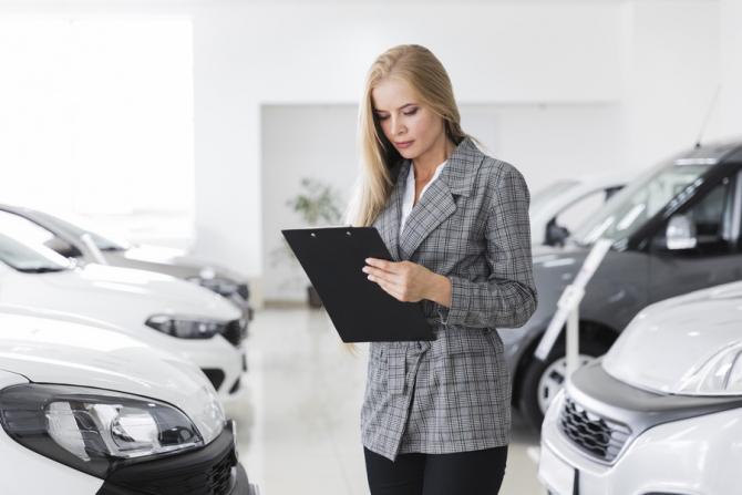 Asigurările auto rămân deocamdată dominante pe piaţa românească