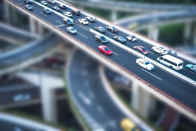 Cei mai mulți europeni folosesc mașina proprie pentru a se deplasa