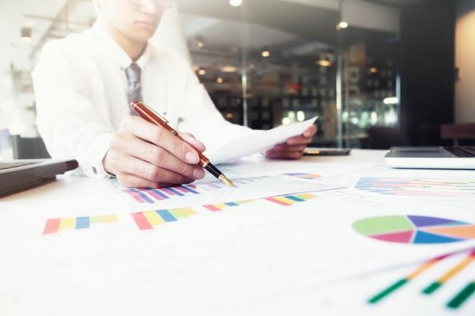 Bursa de Valori Bucureşti (BVB) a deschis în creştere pe toţi indicii şedinţa de luni