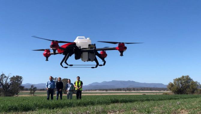 Dronele vin în ajutorul agricultorilor