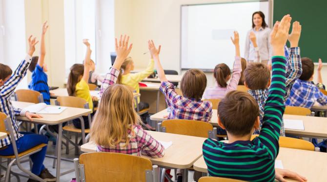 În această perioadă mulți părinți și copii sunt disperați în ceea ce privește situația școalară din ultima vreme.