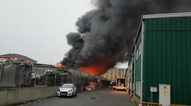 Incendiul de la depozitul din Florești