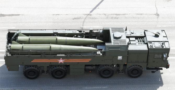 O încercare a rușilor de a-și demonstra forța militară