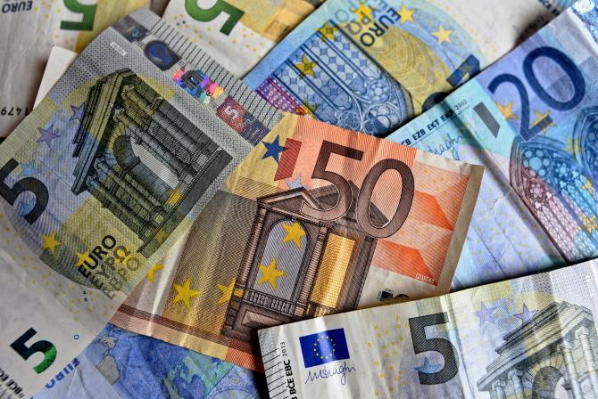 Previziuni sumbre pentru inflația și economia din zona euro