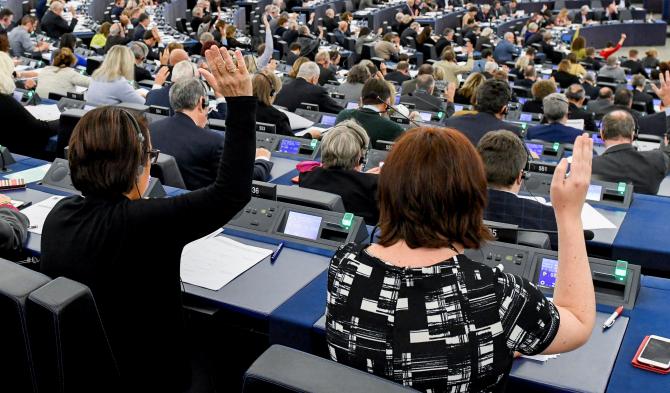 Votul nu înseamnă și pierderea automată a fotoliului de comisar