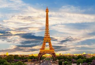 Celebrul Turn Eiffel din Paris va omagia în fiecare seară, începând de vineri