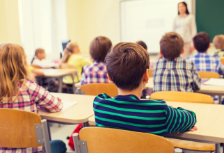 Peste 2,5 milioane de elevi vor lua vacanță pe 20 decembrie.