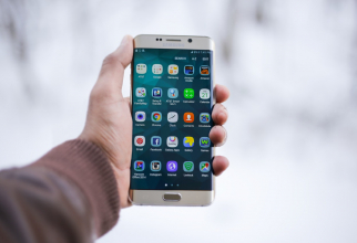 Toate dispozitivele de comunicare, comercializate în Rusia, vor trebui să fie echipate cu astfel de softuri, produse de companii rusești.