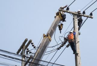 Resursele de energie primară au crescut cu 2%, în primele zece luni ale anului în curs, iar cele de energie electrică au scăzut cu 4,2%