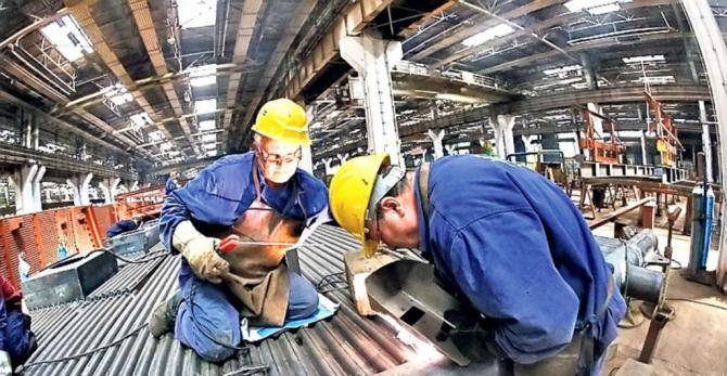 Producţia industrială a scăzut cu 4,1% în zona euro şi cu 3,9% în Uniunea Europeană