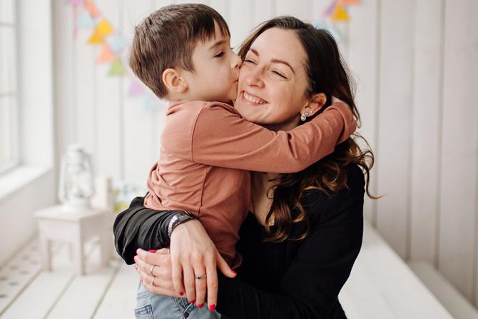 Angajații europeni care au copii cu vârste mai mici de opt ani ar trebui să beneficieze de un program flexibil.