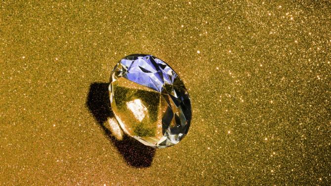 Diamantul a fost furat de la un targ internațional de bijuterie