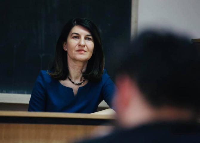 Ministrul Muncii şi Protecţiei Sociale, Violeta Alexandru