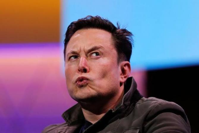 """Elon Musk. Motivația deciziei este dată de îngrijorările privind cantitatea de energie necesară pentru a """"extrage"""" bitcoin."""
