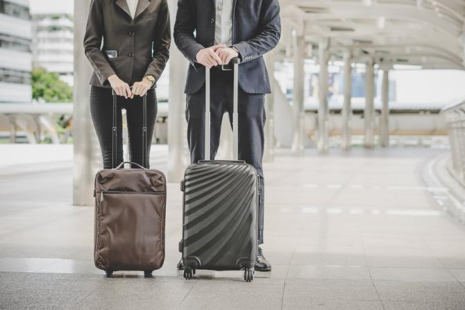 Românii din diaspora care se întorc în țară vor fi scutiți de la plata impozitului pe venit / Foto: freepik.com