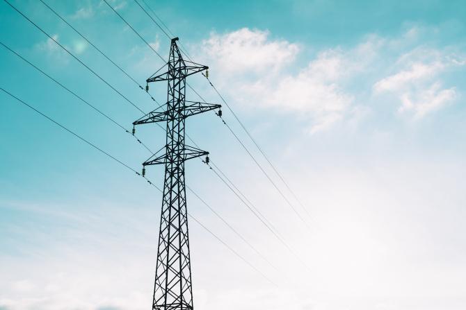 Companiile de stat din energie trebuie să-şi aprobe, până pe 15 iunie, strategia de investiţii