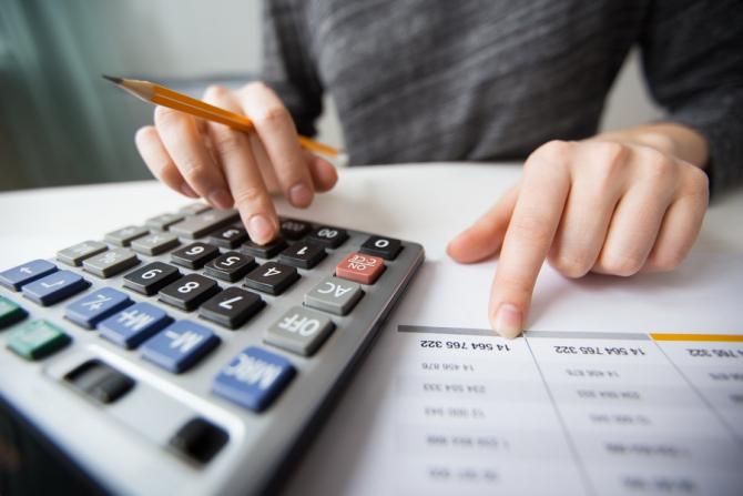 Eroare gravă de calcul a deficitului bugetar al Marii Britanii