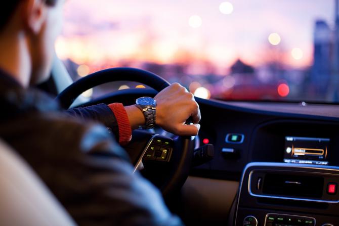 Piaţa auto din România a înregistrat o creştere de 118,2%