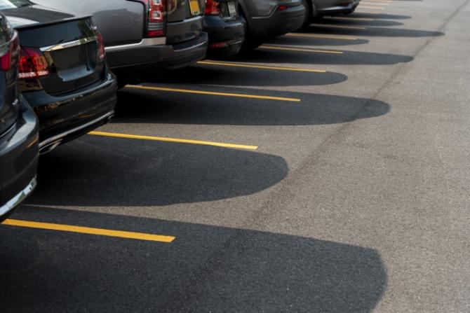 Sector 6: Majorarea taxei de închiriere a locurilor pentru parcările supraterane
