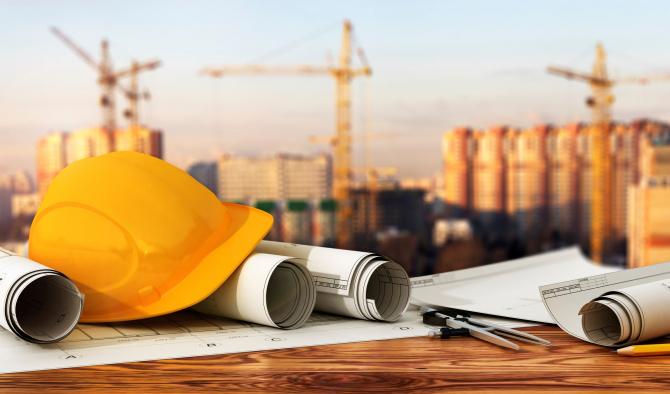 BNR: Sectorul construcţiilor este unul dintre cele mai riscante