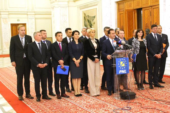 Ludovic Orban alături de membrii propuși pentru formarea noului Guvern