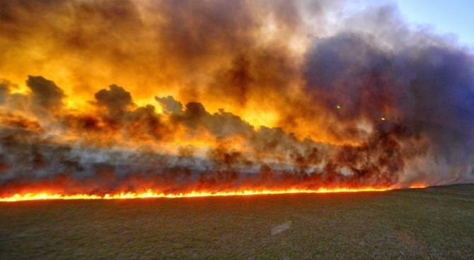 Focul a devenit un inamic greu de stapanit