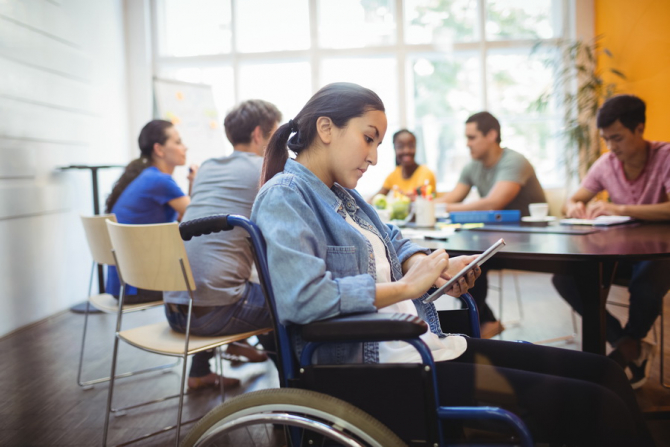 Pensia de invaliditate poate fi accesată și de elevi, ucenici sau studenți