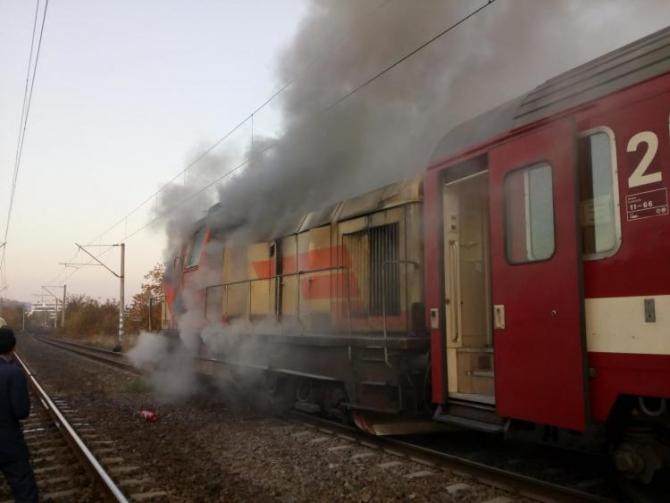 Locomotiva trenului care a luat foc