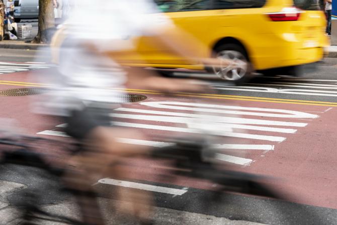 Șoferii cu permisul categorie B vor putea conduce motocilete ușoare în anumite condiții