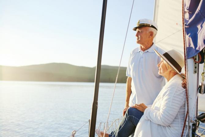 Preşedintele Klaus Iohannis a promulgat, miercuri, legea care prevede reducerea vârstei standard de pensionare