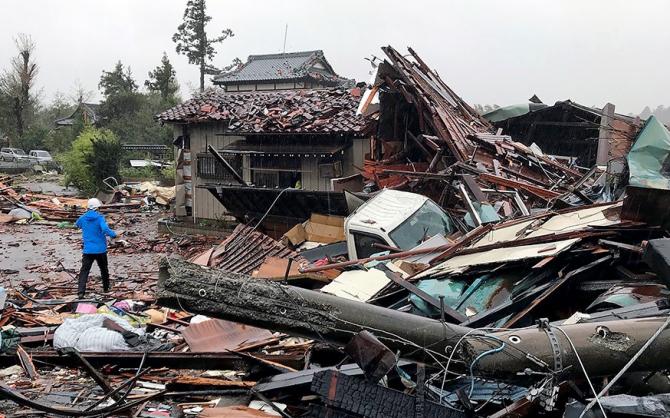 Taifunul a lăsat un adevărat dezastru
